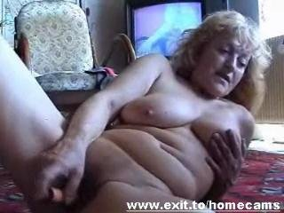 Frida 55 years from Austria jerks at