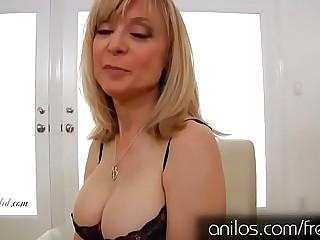 Abuela madura cachonda Nina Hartley masturbá_ndose
