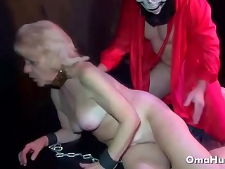 Granny got it indeed hard up her ass