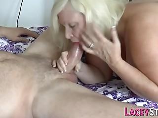 Gran gets spitroasted in 3 way