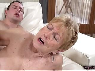 Sexy blonde granny likes to fuck stiff