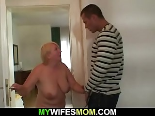 Guy helps girlfriend'_s old mom jism