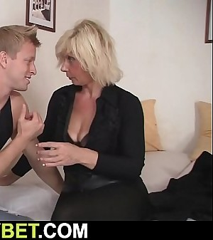 Old blonde pleases youthfull dude