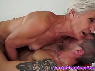 European grandma deep throating and dickriding