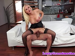 Bigtit cougar gets banged and throatfucked