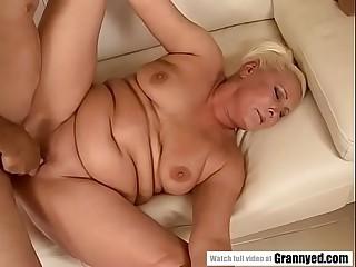 Chubby granny has dripping wet beaver