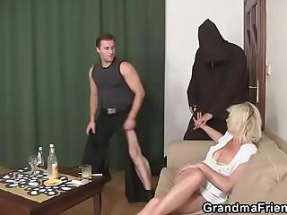 Hot mature blonde needs fresh cocks