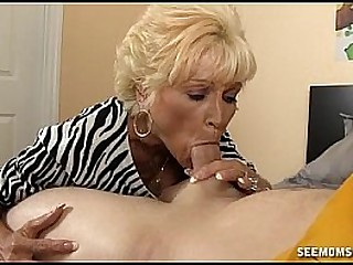 Naughty granny deepthroating and gasping on the white dick