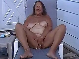 Tan Plumper Granny Masturbate Outside