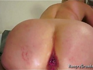 Anal for hook-up starving youthful granny