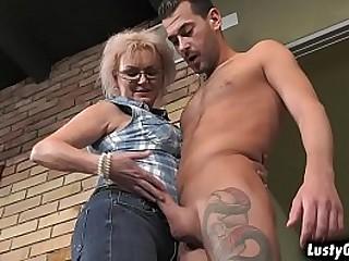 Wild granny Elvira fucks a huge cock like a pro