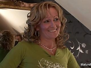 Blonde Granny gets tarts anal