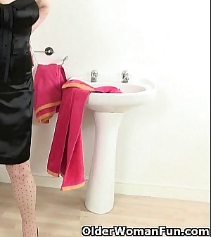 British grannies Molly and Amanda get naughty in bathroom