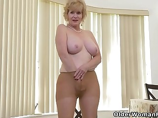 American granny Phoenix Skye gushes her depraved abilities