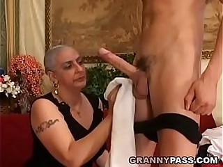 Granny Expereinces Anal invasion With Young Huge Shaft