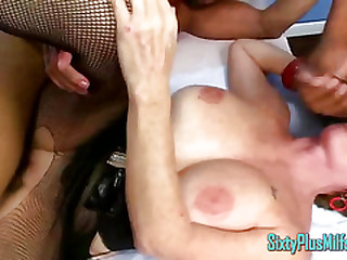 Mummy Granny Deepthroats While Fucked