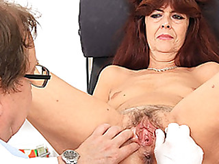 Granny gets her photos gaped during a gyno