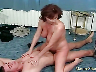 Service with milf fuck and massage