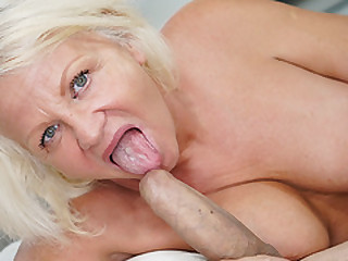 Big cock stretched out a mature cunt