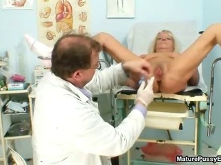 Grandma gets her taut pussy