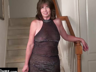 USAWives Lascivious wife on the stairs masturbate