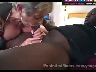Old woman loves a hardfuck