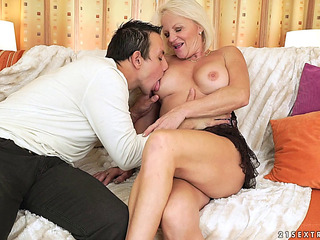 Older hottie called Anett likes yet one more dose of love tunnel spooning