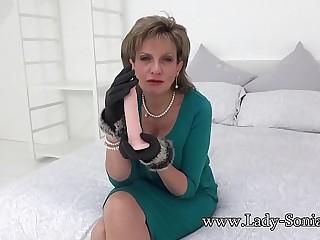 British mature Lady Sonia muddy talk and masturbating