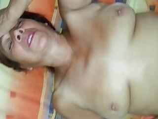 Abuelita 62 a&ntilde_os mamando